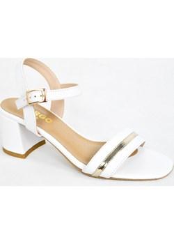 MargoShoes białe złote sandałki na niskim obcasie klocku zapinane wokół kostki klamerka skóra naturalna niski obcas biały złoty  Margoshoes  - kod rabatowy