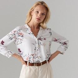 a3987af8d1e3c4 Bluzka damska biała Mohito w kwiaty z długim rękawem z dekoltem w serek