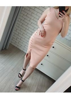 Dopasowana sukienka z wiązaniem midi łososiowa (S/M)   MON BOUTIQUE - kod rabatowy