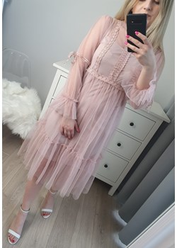 Tiulowa sukienka brudny róż midi   MON BOUTIQUE - kod rabatowy