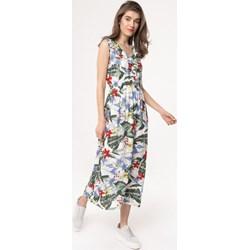 0205a787a0a15d Sukienka Born2be maxi na plażę z dekoltem w literę v w kwiaty bez rękawów