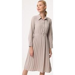 aee11f355f9a25 Sukienka Born2be z kołnierzykiem dzienna z długimi rękawami