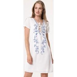 843c53d5 Sukienka biała Born2be