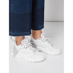 f6871c62 Buty sportowe damskie Reebok sneakersy młodzieżowe płaskie bez wzorów  wiązane na wiosnę