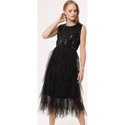 4ed0faad6803a6 Sukienka czarna Born2be bez rękawów z okrągłym dekoltem na sylwestra