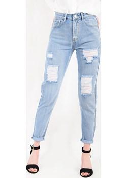Spodnie jeansowe mom jeans z wysokim stanem i przetarciami   okazja berry.com.pl  - kod rabatowy