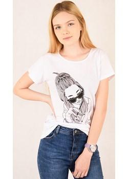 Biały T-Shirt z nadrukiem   promocja berry.com.pl  - kod rabatowy