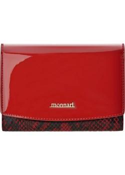 Skórzana portmonetka damska monnari portfel damski z lakierowaną klapką i wężowym wzorem - czerwono-czarny  Monnari okazja world-style.pl  - kod rabatowy