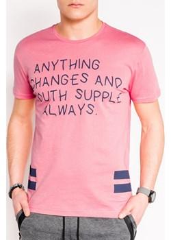 T-shirt męski z nadrukiem 986S - różowy Edoti.com  wyprzedaż   - kod rabatowy