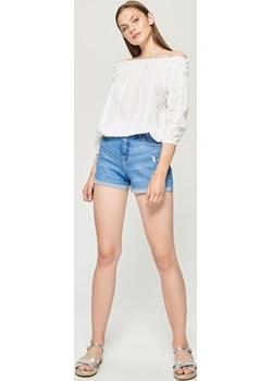 Sinsay - Jeansowe szorty high waist - Niebieski Sinsay   - kod rabatowy