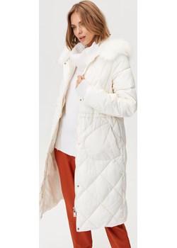 Pikowany płaszcz z kaptrem Femestage   - kod rabatowy