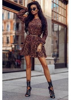 Sukienka Janne-BR01-One Size Rozkloszowana, trapezowa sukienka w cętki, karmelowa oraz latte z długimi rękawami i kieszeniami  Molerin  - kod rabatowy