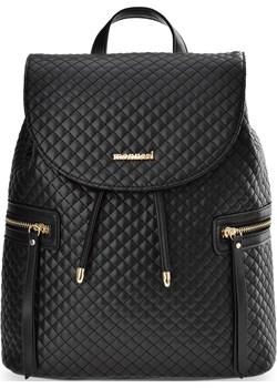 Pikowany plecak damski monnari elegancki pojemny plecaczek na troczek z klapą - czarny Monnari  world-style.pl okazyjna cena  - kod rabatowy