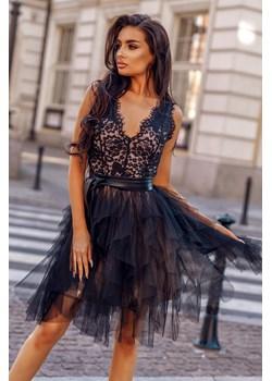 """Sukienka koronkowo - tiulowa Tiona-BK01-S Rozkloszowana sukienka z czarną, koronkową górą i czarnym tiulowym, """"poszarpanym"""" dołem beżowej podszewce  Molerin  - kod rabatowy"""
