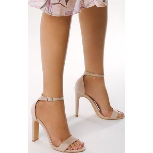 Sandały damskie Born2be na słupku eleganckie na wysokim obcasie w abstrakcyjnym wzorze