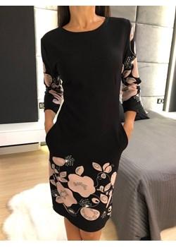 Czarna Sukienka w Pudrowe Kwiaty 3460-314 Modnakiecka.pl   - kod rabatowy