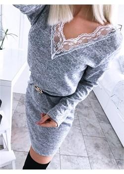 Swetrowa sukienka z koronką PALOMA - szary melanż   promocyjna cena magmac.pl  - kod rabatowy