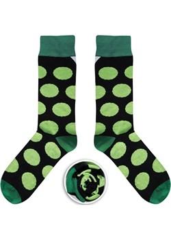 Czarne skarpety w zielone grochy  Cupofsox Men Cup of sox - kod rabatowy