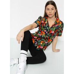 Vans w kwiaty, modne kolekcje 2020 w Domodi