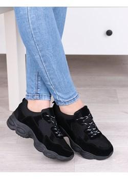 Czarne sportowe buty damskie, wygodne sneakersy na wyższej podeszwie - Obuwie L215 Damle  damle.com.pl wyprzedaż  - kod rabatowy