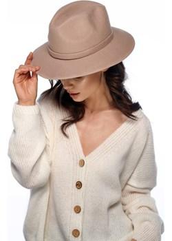 Klasyczny kapelusz damski LGK106 - beżowy Lemoniade lemoniade.pl - kod rabatowy