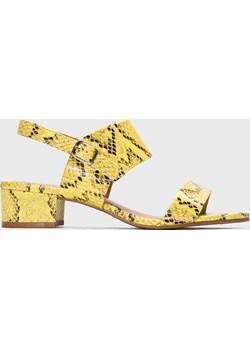 Żółte sandały damskie Kazar Studio promocyjna cena Kazar Studio - kod rabatowy