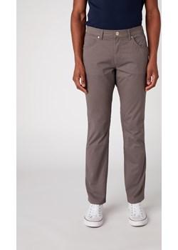 Spodnie Męskie Wrangler Greensboro Quiet Grey W15QWA172  Wrangler Elwix - kod rabatowy