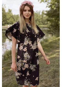 Sukienka w malowane kwiaty rozkloszowany rękaw 38 Far Far Łódź okazja FAR FAR ŁÓDŹ - kod rabatowy