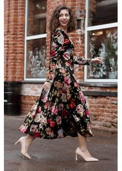 Letnia kobieca sukienka w malowane kwiaty 36 Far Far Łódź okazyjna cena FAR FAR ŁÓDŹ - kod rabatowy