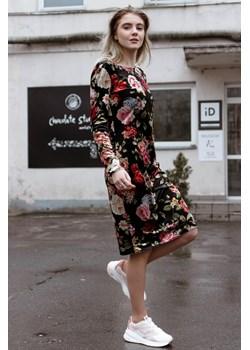 Sukienka na długi rękaw w malowane kwiaty 42 Far Far Łódź wyprzedaż FAR FAR ŁÓDŹ - kod rabatowy