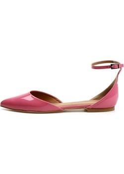 Sandały Saara na płaskim obcasie Victoria Gotti ® Victoria Gotti wyprzedaż - kod rabatowy