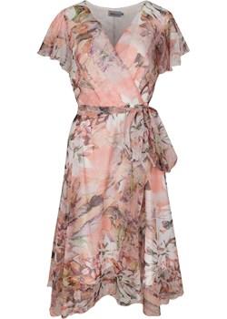 Sukienka z kopertowym dekoltem BELLA ozdobna falbanka na rękawie morelowa w akwarelowe kwiaty Grandio grandio - kod rabatowy