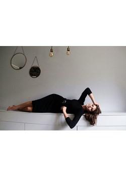 Czarna dopasowana midi sukienka z dzianiny CLAUDIA Endoftheday  END OF THE DAY - kod rabatowy
