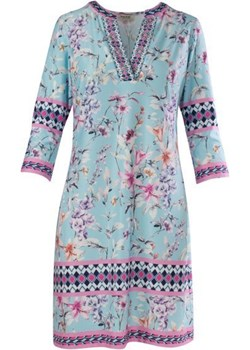 Sukienka w delikatne kwiaty w odcieniach błękitu MALVIN wiosna 2020 model 8912-012 Malvin samplesale.pl - kod rabatowy
