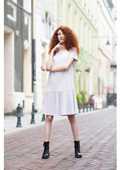 Nowoczesna sukienka z plisowanym dołem 40  Far Far Łódź  - kod rabatowy
