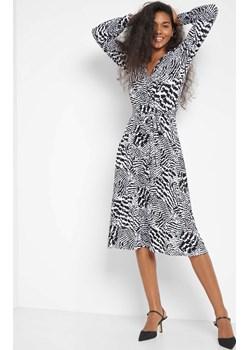 Wiskozowa sukienka ze wzorem orsay.com - kod rabatowy