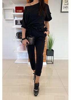 Komplet dresowy bawełniany w kolorze czarnym i z falbanką * NEVI Limonka Limonkashop.pl - kod rabatowy