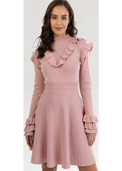 Różowa Sukienka Qinthine Born2be Born2be Odzież - kod rabatowy