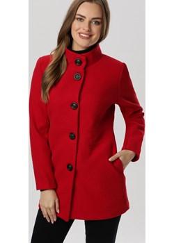 Czerwony Płaszcz Sharlisa Born2be Born2be Odzież - kod rabatowy