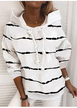 Długi rękaw paski prążki sznurek wycięty kaptur styl marynarski dłuższa wygodna na co dzień modna Mila bluza (S) Bluza sandbella promocja - kod rabatowy