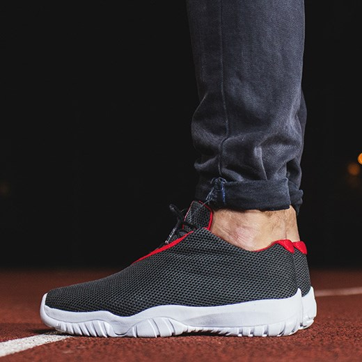 BUTY NIKE AIR JORDAN FUTURE LOW 718948 001 sneakerstudio pl szary do biegania męskie