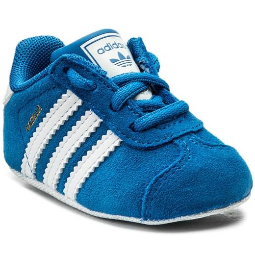 Buciki niemowlęce Adidas bez wzorów na wiosnę sznurowane