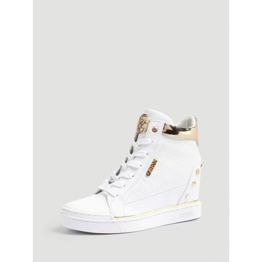 Sneakersy damskie Guess białe w nadruki w Domodi