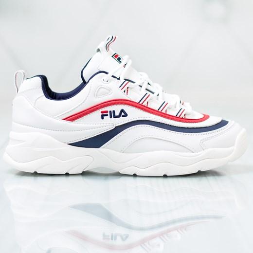 Białe buty sportowe damskie Fila płaskie