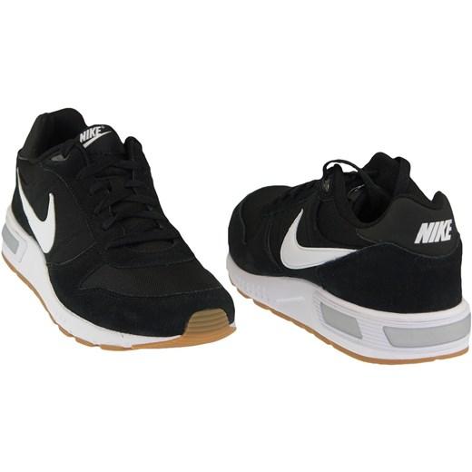 Buty sportowe męskie Nike nightgazer czarne sznurowane w Domodi