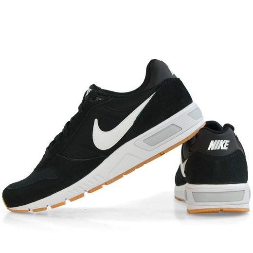 Buty sportowe męskie czarne Nike nightgazer na wiosnę