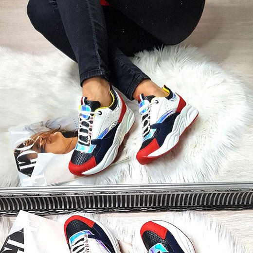 Sneakersy damskie wiązane bez wzorów 03RAl