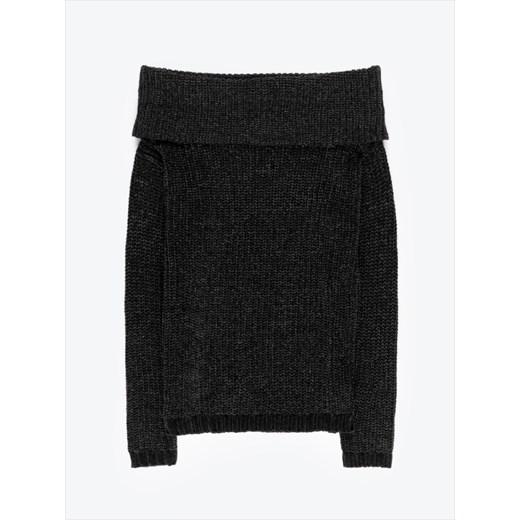 Sweter damski Gate z dekoltem typu hiszpanka czarny casual Odzież Damska ZK czarny LNNR