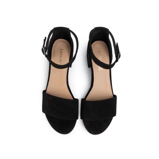 Sandały damskie Lasocki bez wzorów na obcasie w Domodi