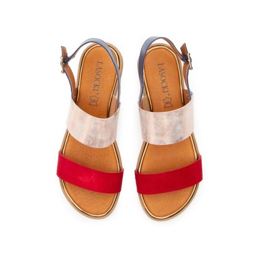Sandały damskie czerwone Lasocki bez wzorów płaskie z klamrą